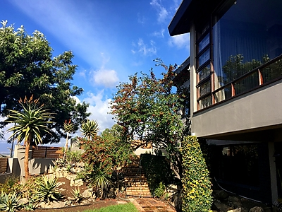 Paarl_AQueenslin_Outside.jpg - A'Queenslin Guesthouse image