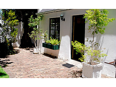 Guesthouse-13-800x475.jpg - La Provence Vineyard Cottages image