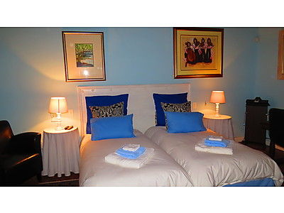 IMG_1335.JPG - The Orange Bowl Self-Catering image