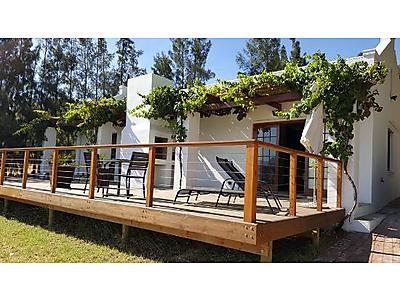 topiary accom.jpg - Topiary Guest Cottages image